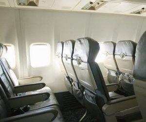 Aereo, meno spazio per le gambe: British Airways lo riduce. I dati di tutte le compagnie