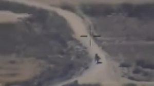 Caccia-bombardiere Usa colpisce due talebani che fuggono in moto