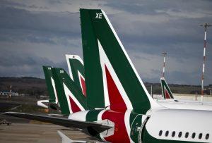 """Sciopero Alitalia 5 aprile confermato. Garante: """"E' legittimo"""""""