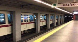 Roma, colombiana picchiata da rom su Metro A: aveva avvertito turisti di furto