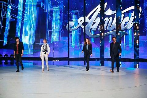 Amici 2017: Francesco Renga ospite della seconda puntata del Serale