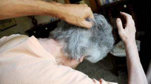 """Matteo Lepore, 81 anni, a processo: """"Si accanisce sulla moglie cieca e disabile"""""""