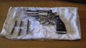 Roma, outlet delle armi: 250 euro la semiautomatica, 2000 il kalashnikov...