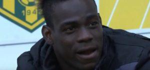 YOUTUBE Balotelli viene sostituito e piange in panchina