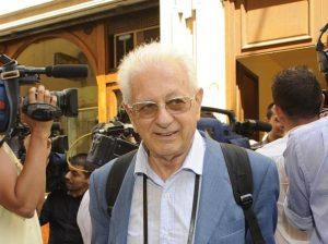 Luigi Berlinguer, malore: ricoverato d'urgenza a Cosenza