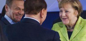 """Berlusconi vede Merkel: a due anni dal """"culona inc....abile"""", lo spetrro di Grillo fa il miracolo"""