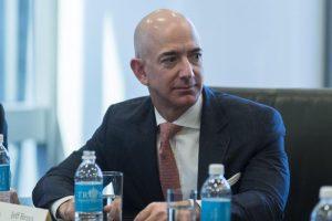 Amazon, Jeff Bezos supera Warren Buffet: è la seconda persona più ricca al mondo