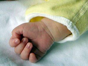 Il figlioletto muore in culla, Cristian Pizzolante va a rubare per pagare funerali