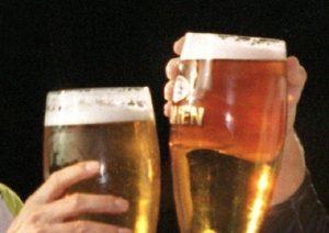 Alcol uccide batteri, allora perché non cura il mal di gola? Le migliori risposte