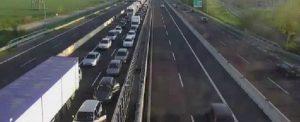 Bologna, incidente in autostrada. Tir contro pullman: 40 feriti, due gravi