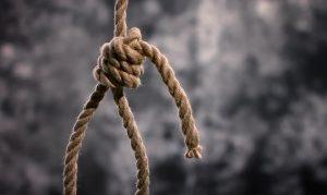 Tragedia a Padova, a 15 anni si impicca a un albero nel campo vicino casa
