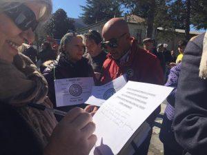 """Manifestazione in solidarietà ai carabinieri indagati: """"Conosciamo bene quei ragazzi"""""""