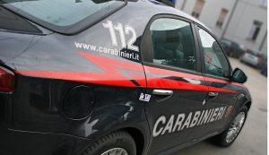 Certaldo, migrante armato di coltello ferisce 6 carabinieri