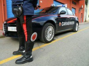 """Ravenna, sfondano cancello caserma con l'auto: """"Abbiamo bomba a bordo"""""""