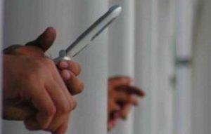 Padova, 130 telefoni entrati in carcere in tre anni: nei guai un poliziotto