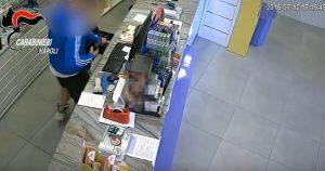 Minorenni armati rapinavano banche e farmacie tra napoli e Caserta