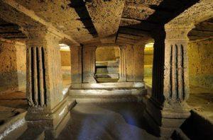 Cerveteri, messe nere nelle tombe etrusche: trovato manuale per invocare Satana