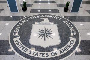 """La Cia ci spia, """"basta una tv"""". Le rivelazioni di WikiLeaks"""