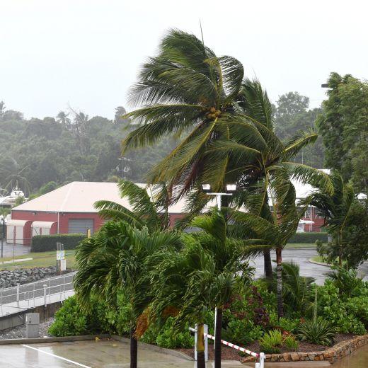 Australia, ciclone Debbie arriva sul Queensland: sgomberate 25000 persone