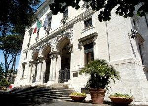 Cnel: il presidente Napoleone vieta l'ingresso in sede al segretario generale Massi