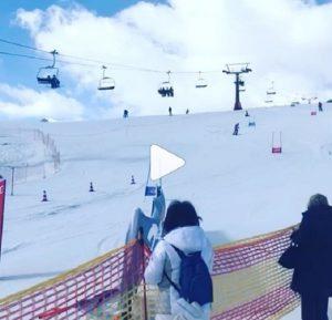 """Sonia Bruganelli, VIDEO figlia che scia a Cortina: """"Ma i tuoi figli non vanno a scuola?"""""""