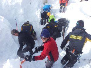 Valanga travolge sciatori a Courmayeur: due morti e molti feriti