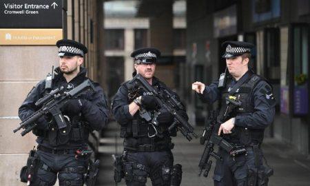 Attentato Londra. La fuga del capo di Scotland Yard: polemiche e giustificazioni