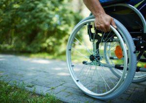 Disabili: 1000 euro al mese dall'Inps per pagare badante. Come, quando, Isee...