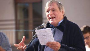 """Don Ciotti: """"Oggi siamo tutti sbirri"""". Da Locri a tutta Italia in migliaia contro le mafie"""