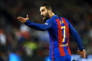 Arda Turan salta Juventus-Barcellona per infortunio alla coscia
