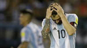 Argentina, Messi rischia maxi-squalifica per insulti all'arbitro