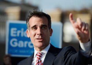 Eric Garcetti rieletto sindaco Los Angeles con l'81% dei voti, ma bassa affluenza...