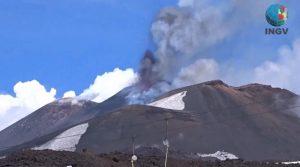 "YOUTUBE Etna, vulcanologo Marco Neri: ""Nessun cratere è mai cresciuto così"""