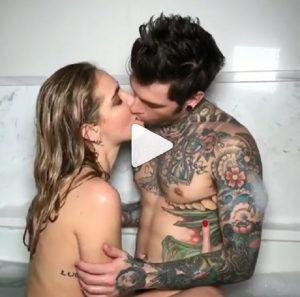Chiara Ferragni e Fedez senza veli nella vasca da bagno VIDEO