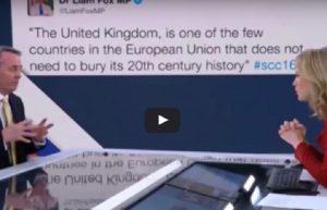 """Gaffe del politico euroscettico: """"Non l'ho mai scritto"""". Ma il tweet e alle sue spalle"""