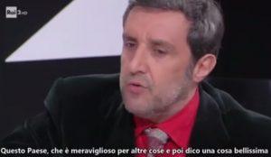 """YOUTUBE Flavio Insinna: """"Io sto con gli oppressi"""". VIDEO virale sul Web"""