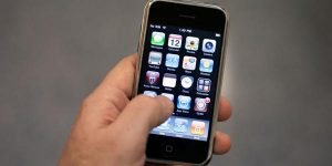 iPhone compie 10 anni: in autunno quello più grande da 5,5 pollici