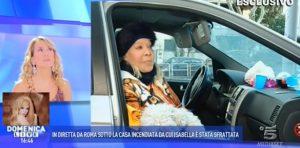 """Isabella Biagini: """"Dormo in auto. Non ho soldi perché non ho tro..ggiato"""""""