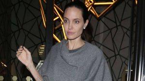 """Angelina Jolie professoressa a Londra: """"Sento le farfalle nello stomaco"""""""