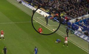 Mourinho calcia pallone verso Antonio Conte VIDEO