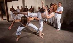 Donne a scuola di karate