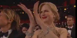 """Nicole Kidman spiega lo strambo applauso agli Oscar: """"Non volevo rovinare l'anello"""""""