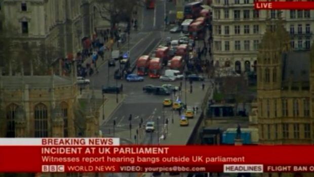 Londra, spari vicino al Parlamento: 12 feriti, assalitore ucciso