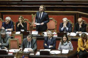 """Consip, Luca Lotti in Senato per la sfiducia: """"Usano me per colpire Renzi"""""""