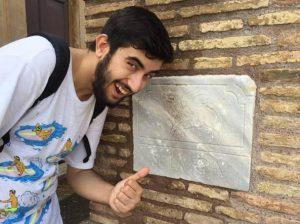 Luca Adami morto annegato in un tombino: gli erano cadute le chiavi