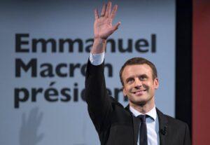 Sondaggio Francia, Macron sorpassa Le Pen: è la prima volta