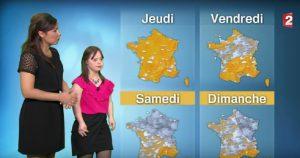 YOUTUBE Mélanie ha la sindrome di Down: presenta il meteo e realizza il suo sogno