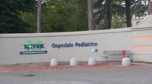 Arezzo, bimba di 4 anni cade a scuola e si rompe la testa: è grave