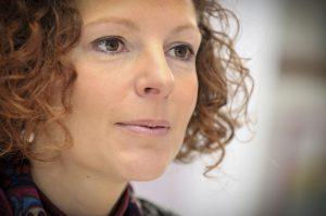 Belgio, la ministra predica contro l'alcol ma razzola ubriaca al volante
