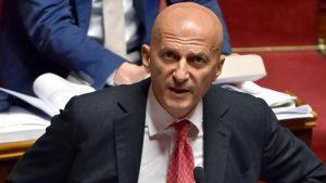 """Minzolini: """"Pronto a bere la cicuta"""", ma il Senato gli conserva il seggio"""